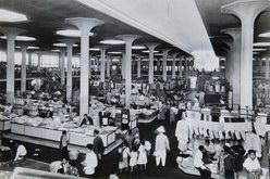 Interior pasar johar semarang