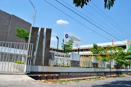 SMK Yayasan Pharmasi Semarang