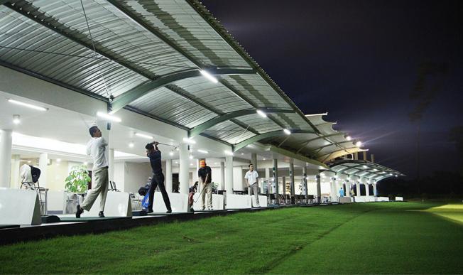 Driving range royale jakarta golf club