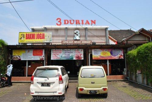 3 Durian Resto & Refleksi