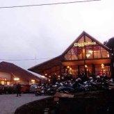 Exterior Giggle Box Cafe Semarang