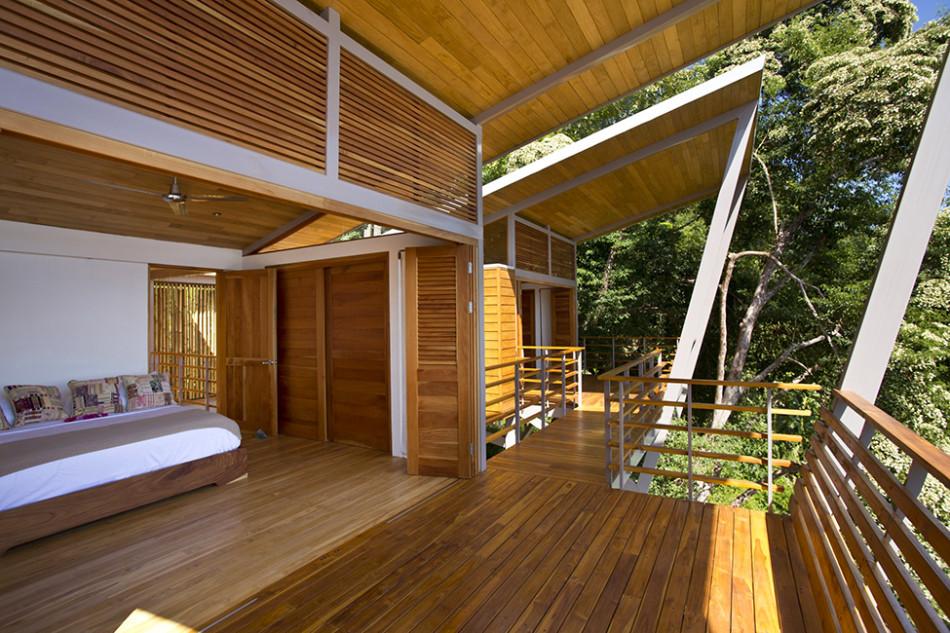 foto rumah kayu yang membangkitkan energi seputar semarang
