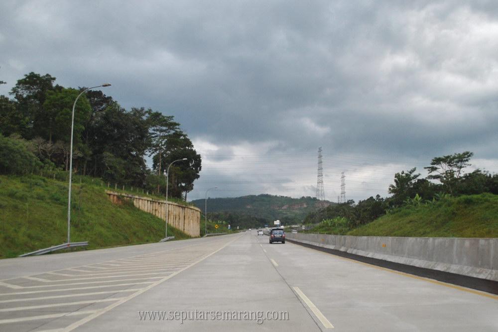 Jalan Tol Semarang - Solo Seksi II Ungaran - Bawen