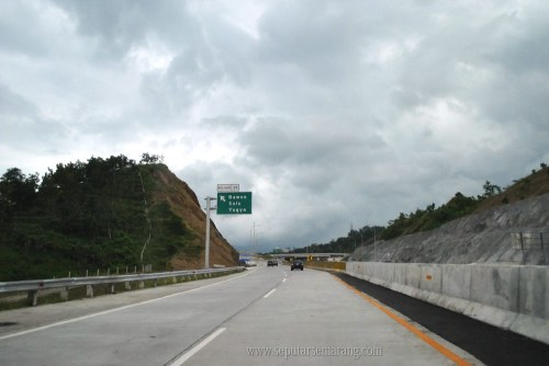 Gambar Tebing curam jalan tol semarang solo