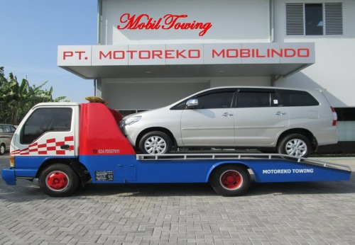 Gambar Mobil towing gendong