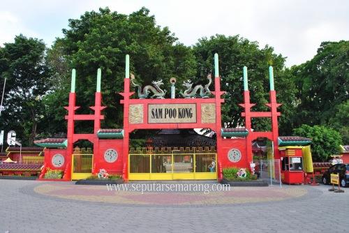 Pintu masuk Sam Poo Kong
